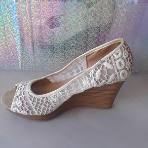 American eagle  lace wedge  heels